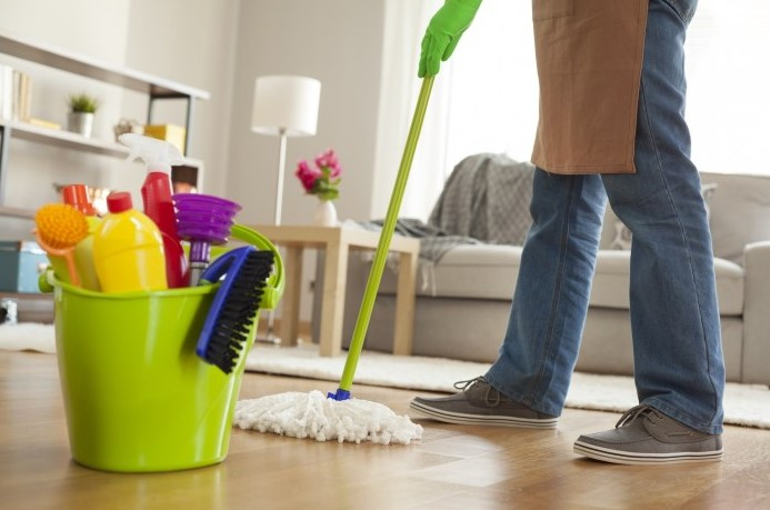 How long does it take to deep clean a house