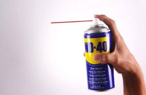 How to Clean Shower Doors with WD40?